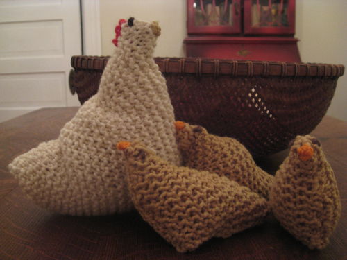 Help! I m obsessed with knitting chickens! Cari Luna